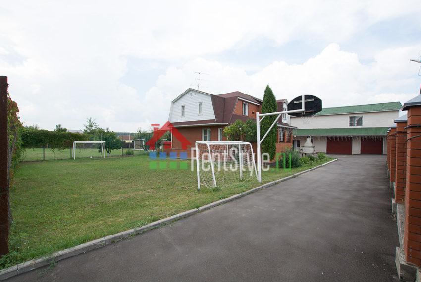4. футбольное поле